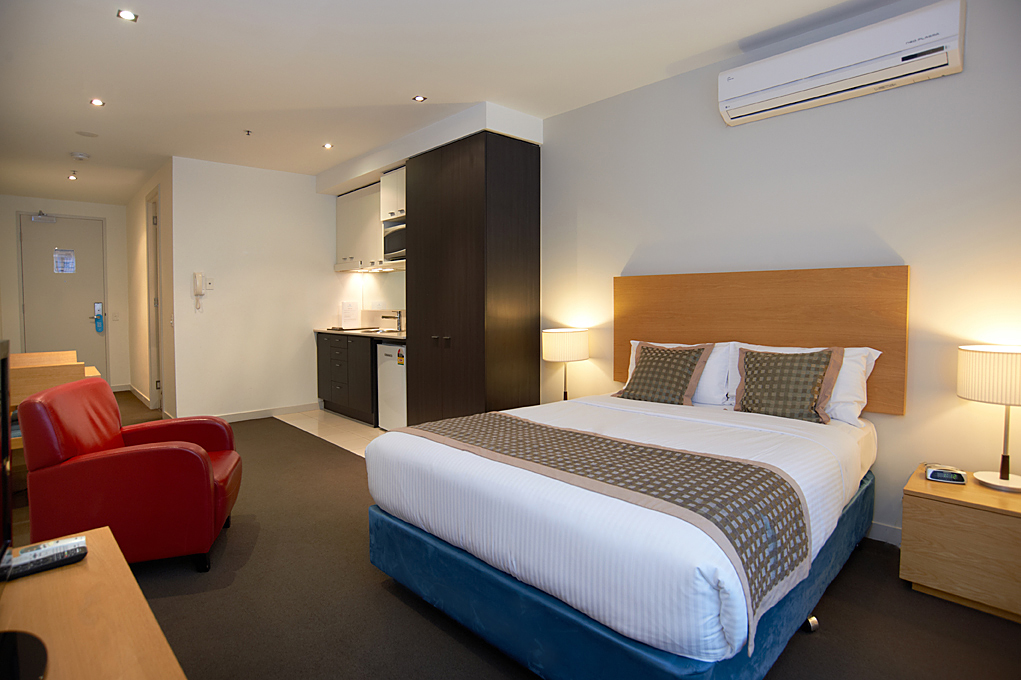 Studio apartments south yarra melbourne amity apartment for Furnished studio rent melbourne